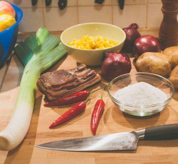 Bulvių sriuba su šonine ir kukurūzais