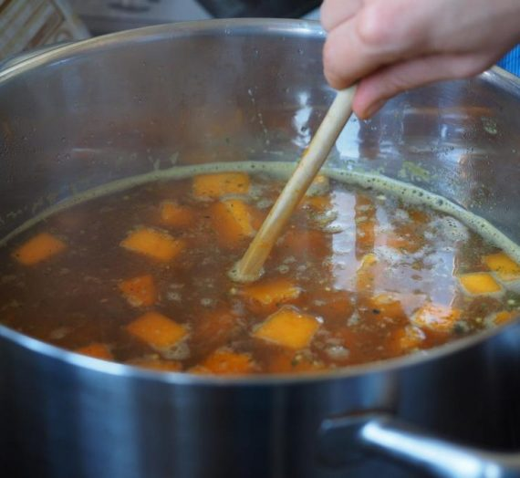 Triušienos sriuba su daržovėmis