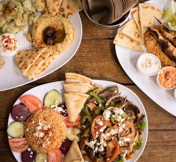 Graikija virtuvėje: souvlaki su pita